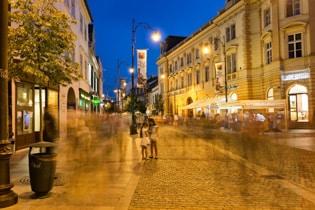 Sibiu-at-night.jpg