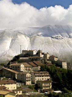 The-village-of-Castelluccio.jpg