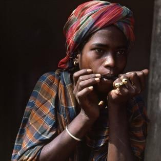 Jaw's harp player, India